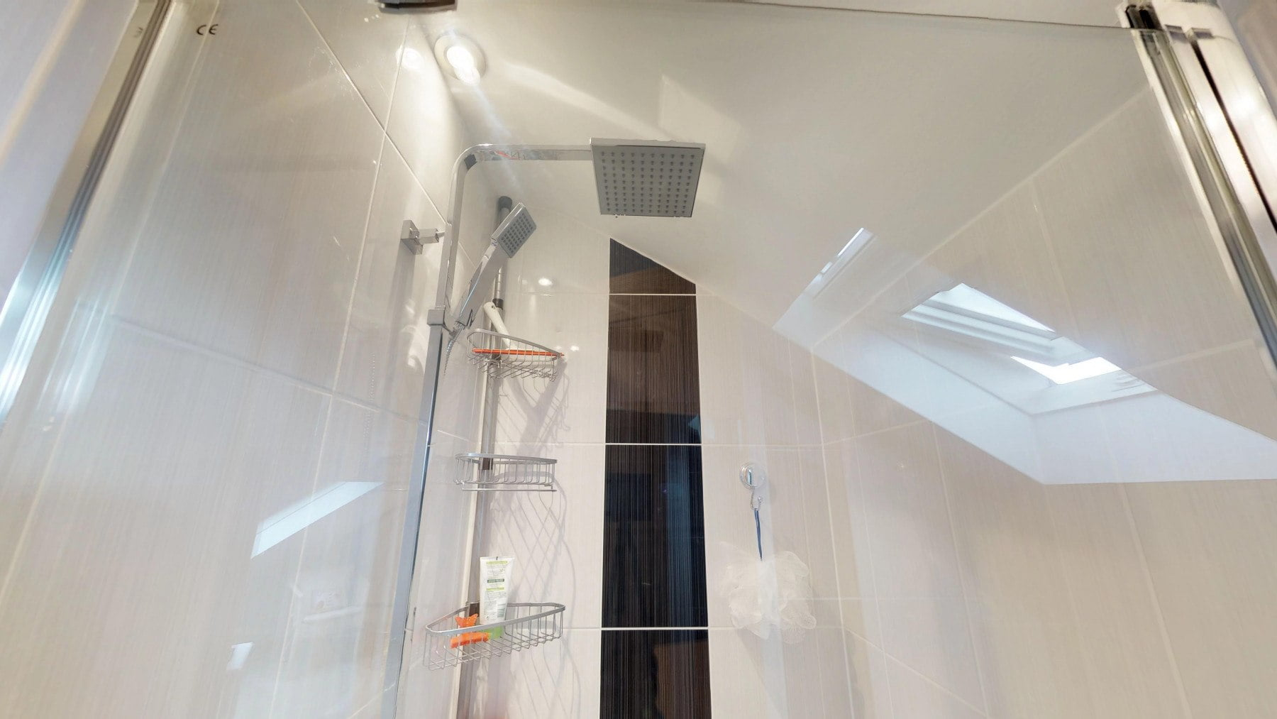 Loft-Pro-Multi-Room-Bungalow-Velux-10022018_164556