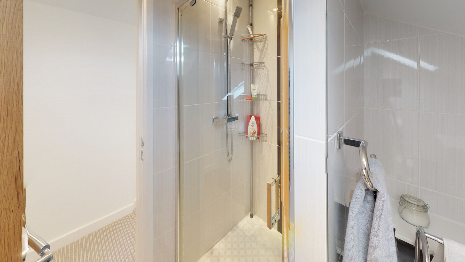 Loft-Pro-Multi-Room-Bungalow-Velux-Bathroom